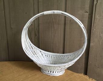 Wedding basket/ basket for a bride's bouquet/ woodland flower girl basket/ rustic flower girl basket/garden wedding/fairytale wedding/basket
