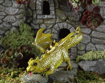 Fairy Garden  - Fetching Dragon - Miniature
