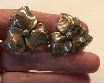 Vintage Danecraft sterling Silver Flower Earrings 1 1/4""