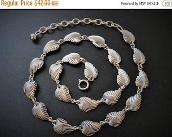 SALE Vintage Sterling Necklace / Art Deco Style Silver Necklace / Leaf Link Necklace