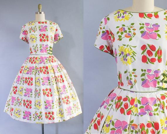 1950s Floral Cotton Dress/ Medium/ Large (40B/29W)