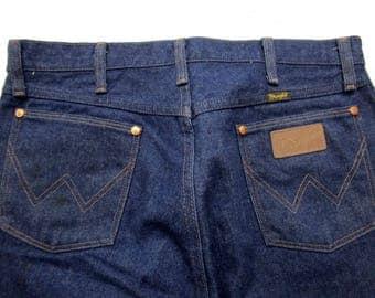 Vintage WRANGLER jeans 33 x 34 USA MADE