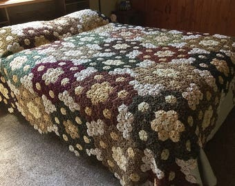 Yo Yo Quilt, Queen Size Beadspread, Floral