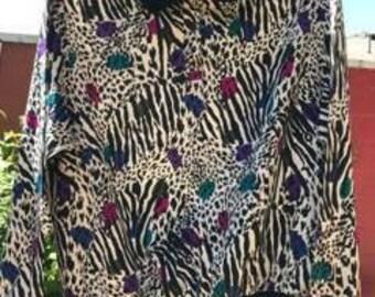 Notations Size Small 80/90s animal print sweatshirt/blouse