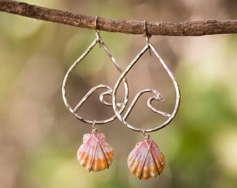 14k Golf Fill Wave Earrings with Sunrise Shells