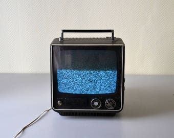 Vintage Television SONY solid State  / Portable TV 70s Made in Japan / in working condition