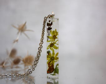 ECO pendant made of maple flowers, moss and lichen. Botanical pendant ECO epoxy resin. Pendant stick of maple flowers. Pendant terrarium