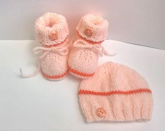 Baby Hat hand made knitted BOTTIES apricot salmon 0/3 months set