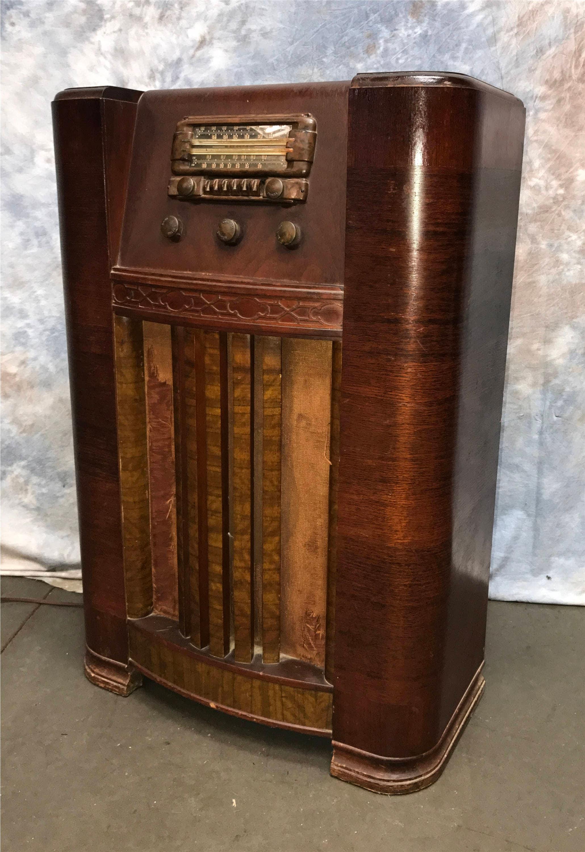 1942 montgomery ward floor tube radio model 14wg 807 airline