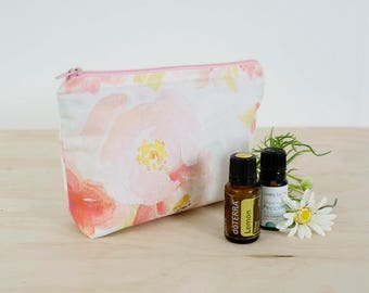 Essential oil bag. Floral oil pouch. Oil storage. Oil travel case. Essential oil gift. Zipper pouch bag. 7 bottle oil bag. Mother's Day gift