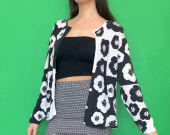 Vintage 90s Y2k 2000s Black and White Knit Color Block Floral Long Sleeve Button Down Cardigan Sweater