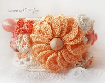 Crochet bracelet, Beaded bracelet, Crochet bracelet with flowers, Crochet cuff bracelet, Peach color, Crochet flowers, Beaded crochet