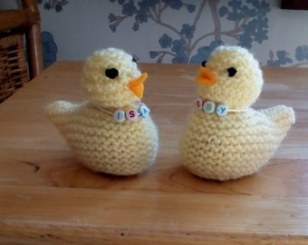 Personalised chick chocolate egg holder, creme egg holder, Easter egg holder, chick egg holder, knitted chick egg holder, knitted chick cosy
