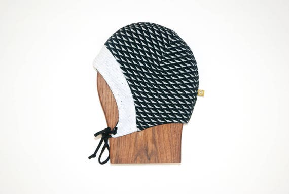 LINOTTE - winter hat with prints, polar linning for baby and kids: boys and girls - black with triangles print