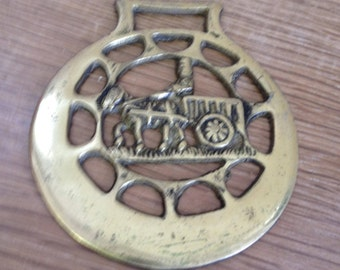 Vintage Horse Brass With A Horse & Cart Design - Metal-Metalworking, Collectable.