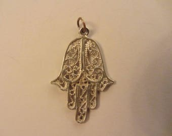Sterling Silver Hand of God Filigree Pendant - Made In Israel - 1.53g