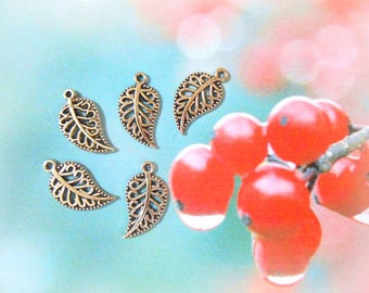 30 Silver leaf charms Filigree leaf charms Nature charms Tree Autumn Fall charms Leaf pendants Earrings findings Necklace DIY Jewelry BULK