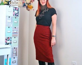 "1960s Skirt - Midi Pencil Skirt - Houndstooth Check Red Black - Patterned Fitted Wool Skirt - Sexy Vintage Mad Men - 27"" Waist - Size Small"