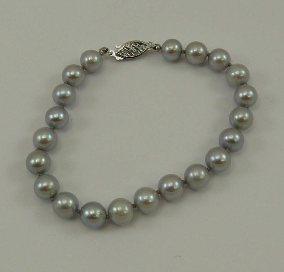 Freshwater Gray Pearl Bracelet with 14k White Gold Clasp 7 Inches