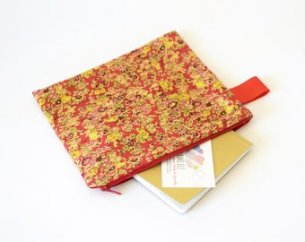 Liberty London pouch, makeup pouch , travel pouch , bag organizer , liberty of london , gift for her, red pouch , cosmetic pouch , red