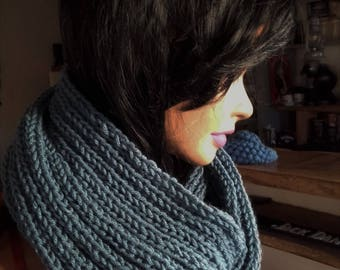 Blue snood - Cowl hand-knitted