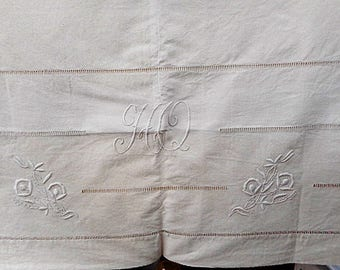 """Floral Hand Embroidered French Linen Metis 84"""" X 116"""" Vintage Flat Bed Sheet Monogram """"HQ"""" (C703)"""
