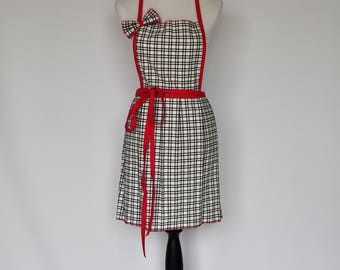 sweet and flirty full kitchen apron in black and white plaid with hot pink ties and box pleats