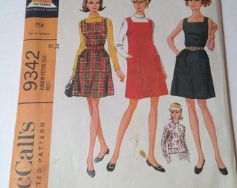 Vintage McCall's 9342 Sewing Pattern Mod Jumper and Blouse Junior Petite Size 11