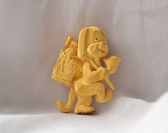 Adorable and highly luxurious vintage 24K yellow gold Chinese good luck charm