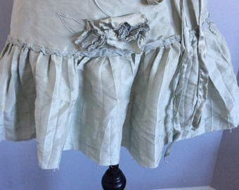 Very sweet Antique apron Green pale