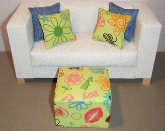 1:6 Scale Furniture Pouf and 4 Pillows - Barbie Momoko Blythe Pullip Fashion Dolls - Living Room Diorama - Green Graffiti