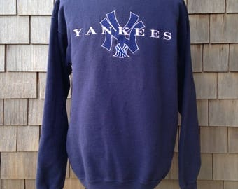 90s vintage New York Yankees sweatshirt by Starter - embroidered - Large