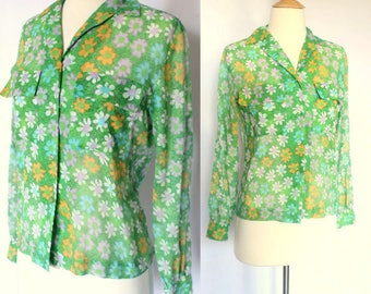 Vintage 60s Green Floral Button Up Blouse / Lapels and Breast Pockets / Small S