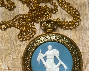 Max Factor vintage compact pocket watch style necklace compact necklace vintage Max Factor vintage makeup make up mirror purse mirror
