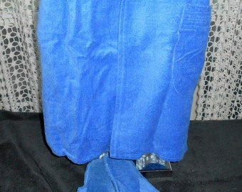 Bill Blass Bath wrap and slippers    VIntage 80's    Never Worn   Still with tags