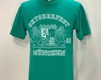 1988 OKTOBERFEST Munchen T Shirt / Retro Beer Drinking  Authentic Germany Oktoberfest Munchen Souvenir Shirt Mens Size SMALL