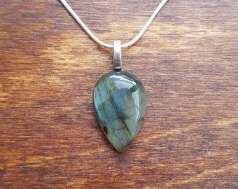 Labradorite silver necklace - gemstone necklace - birthstone necklace - gift necklace - birthday present - flashy labradorite - pendant - 28
