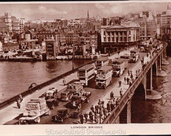 London Bridge ~  Vintage Postcard. ~ Not Posted ~ 1900's.