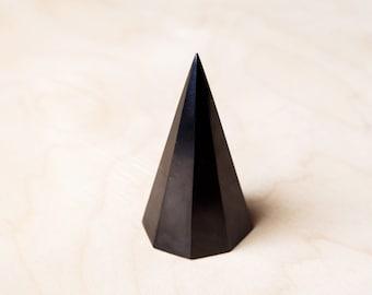Shungite Pyramid High Octahedral 4*8 cm 1.58 inch Polished Shungite Stone EFM Protection Black Stone Healyng Crystal Pyramid Chakra Ballance