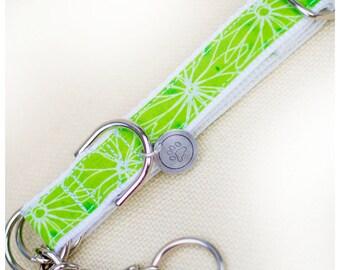 Green Daisy Dog Collar