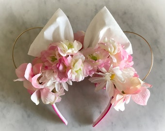 Minnie Mouse Floral Wire Ears Spring Flower Bouquet
