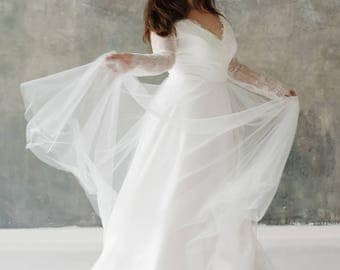 Plus Size Wedding Dress Off White Boho Long Sleeve