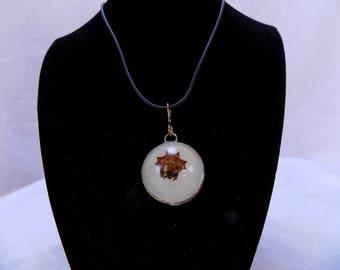 Glow in the dark crab spider necklace
