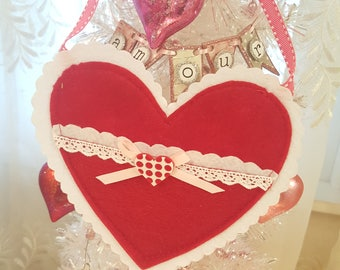 Shabby Chic Valentine Heart Pouch Valentine Party Favor Felt And Lace Heart Gift Pouch Vintage Valentine Hanging Decoration