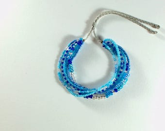 Shades of blue seed beads bracelet