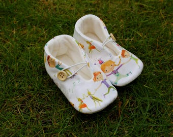 Baby and animal shoes-various sizes