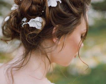 Extra long hair vine Bridal Wedding hair vine long hair vine babys breath hair piece Pearls hair vine Flower Floral Gift Valentine's day