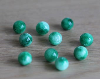 Jade green beads - 8mm - 40 pcs
