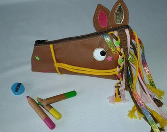 Makeup/jewelry horse leatherette case
