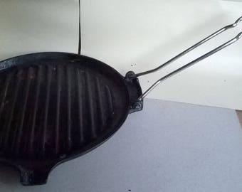 217) Le Creuset cast iron grill